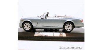 Rolls Royce Phantom Drophead Coupe scale 1:43 car miniature