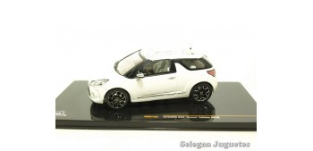 miniature car Citroen Ds3 Kenzo Edition 2010 1/43 Ixo