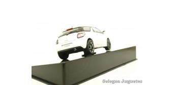 coche miniatura Citroen Ds3 Kenzo Edition 2010 1/43 Ixo