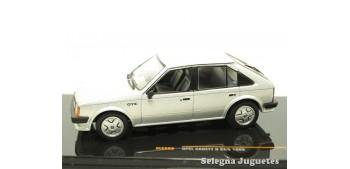 coche miniatura Opel Kadett d GT/E 1983 1/43 Ixo