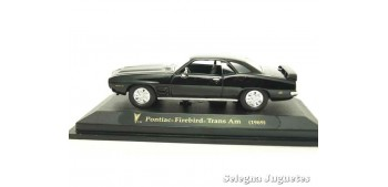 miniature car Pontiac Firebird Trans Am negro 1/43 Lucky Die