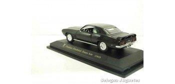 Pontiac Firebird Trans Am negro 1/43 Lucky Die Cast coche a escala