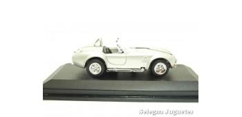 escala auto Shelby Cobra 427S/C 1964 1/43 Lucky Die Cast coche