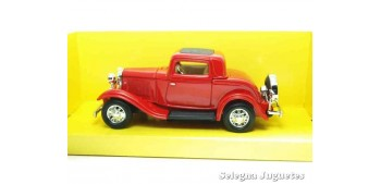 escala auto Ford 3 Window Coupe 1932 1/43 Lucky Die Cast coche