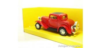 escala auto Ford 3 Window Coupe 1932 1/43 Lucky Die Cast coche