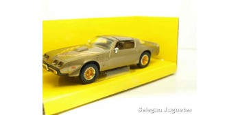 escala auto Pontiac Firebird Trans Am 1979 1/43 Lucky Die Cast