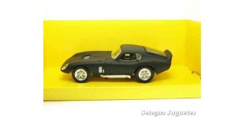 Shelby Cobra Daytona coupe negro mate 1/43 Lucky Die Cast coche