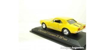 maquetas de coches Chevrolet Camaro Z-28 1967 amarillo 1/43