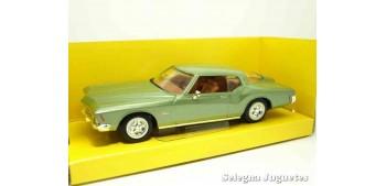 maqueta Buick Riviera GS 1971 1/43 Lucky Die Cast coche a escala