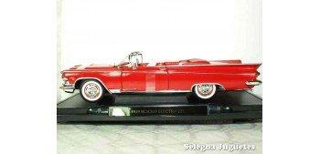 Buick Electra 225 1959 1/18 Lucky Die Cast coche a escala