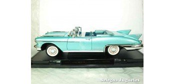 Cadillac Eldorado Biarritz 1958 1/18 Lucky Die Cast coche a