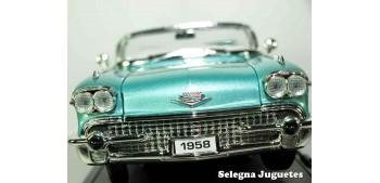 miniature car Cadillac Eldorado Biarritz 1958 1/18 Lucky Die