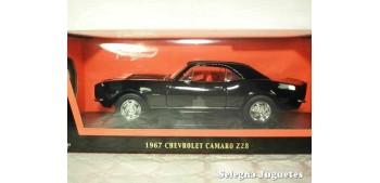 maqueta Chevrolet Camaro Z28 1967 1/18 Lucky Die Cast coche a