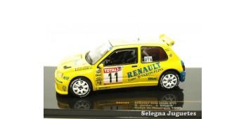 miniature car Renault Clio Maxi 11 Jordan scale 1:43 car
