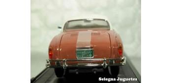 Karman Ghia (Volkswagen) 1/18 Lucky Die Cast coche a escala