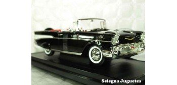 Chevrolet Bel Air Convertible 1957 1/18 Lucky Die Cast coche a escala