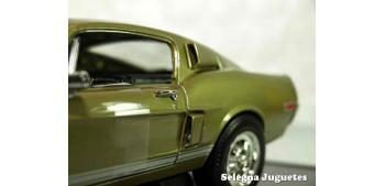 Shelby GT-500KR 1968 1/18 Lucky Die Cast car miniature