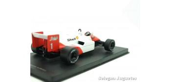 coche miniatura McLaren Tag turbo MP4/2C 1986 (vitrina defecto)
