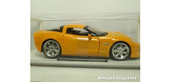 Chevrolet Corvette Grand Sport 2010 escala 1/24 New Ray
