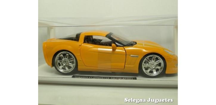 Chevrolet Corvette Grand Sport 2010 escala 1/24 New Ray coche escala