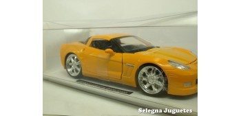 Chevrolet Corvette Grand Sport 2010 escala 1/24 New Ray coche