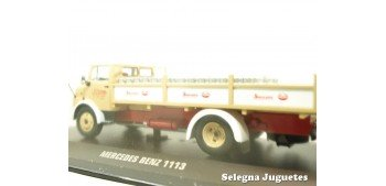 Mercedes Benz 113 reparto leche (vitrina rota) 1/43 Ixo camion escala