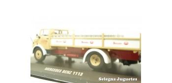 Mercedes Benz 1113 reparto leche (broken showcase) scale 1/43 Ixo