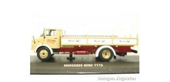 Mercedes Benz 1113 reparto leche (vitrina rota) 1/43 Ixo camion