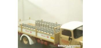 camion miniatura Mercedes Benz 1113 reparto leche (vitrina
