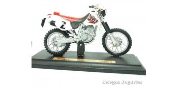 Honda XR400R scale 1/18 Maisto motorcycle miniature