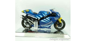 Yamaha Yzr 500 Oliver Jacque scale 1/18 Saico motorcycle miniature