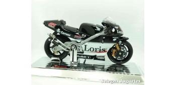moto miniatura Honda Pons NRS 500 Loris Capirossi escala 1/18