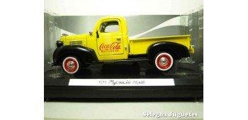 miniature car Plymouth Pickup 1940 Coca Cola scale 1/24