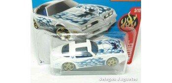 Pontiac Firebird 77 escala 1/64 Hot wheels coche miniatura