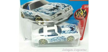 Pontiac Firebird 77 escala 1/64 Hot wheels coche miniatura escala