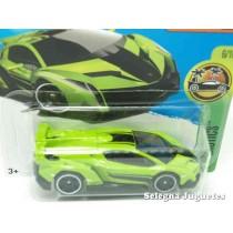 "<p><strong>LamborghiniVeneno</strong></p><p><strong>HOT WHEELS -Serie Hw Exotics</strong></p><p><strong>1/64 - 1:64</strong></p><p><b style=""font-style:normal;font-family:Raleway, sans-serif;font-size:14px;"">Ver más<a class=""btn btn-default"" href=""https://www.selegnajuguetes.es/es/por-escalas/escala-164/"">coches a escala 1/64</a>Ver más modelos<a class=""btn btn-default"" href=""https://www.selegnajuguetes.es/es/fabricante/hot-wheels.html"">Hot Wheels</a></b></p>"