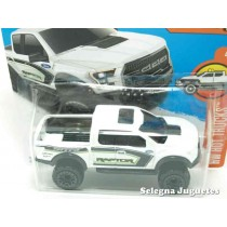 """<p><strong>Ford F-150 Raptor 17</strong></p><p><strong>HOT WHEELS - SerieHw Hot Trucks</strong></p><p><strong>1/64 - 1:64</strong></p><p><b style=""""font-style:normal;font-family:Raleway, sans-serif;font-size:14px;"""">Ver más<a class=""""btn btn-default"""" href=""""https://www.selegnajuguetes.es/es/por-escalas/escala-164/"""">coches a escala 1/64</a>Ver más modelos<a class=""""btn btn-default"""" href=""""https://www.selegnajuguetes.es/es/fabricante/hot-wheels.html"""">Hot Wheels</a></b></p>"""