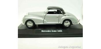 miniature car Mercedes Benz 300S (showbox) scale 1/34 a 1/39