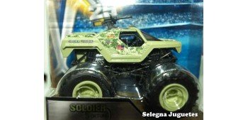 Monster Jam Soldier Fortune escala 1/64 Hot wheels