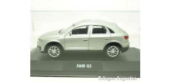 coche miniatura Audi Q3 gris (vitrina) 1/43 Rastar