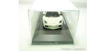 Lamborghini Reventón (vitrina) escala 1/43 Burago Coche metal miniatura sin caja