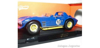 miniature car Chevrolet Corvette 1964 Grand Sport Roadster 1/18