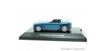 coche miniatura Ford Shelby Cobra concept azul escala 1/64 Auto