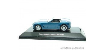 FORD SHELBY COBRA CONCEPT AZUL - 1/64 AUTO ART