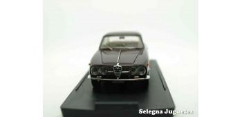 coche miniatura ALFA ROMEO 2000 - 1/43 BANG