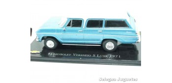 coche miniatura Chevrolet Veraneio S Luxe 1971 escala 1/43 Ixo