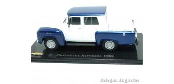miniature car Chevrolet Alvorada 1962 scale 1:43 Ixo