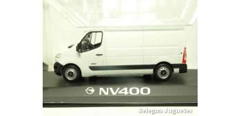 miniature car Nissan NV400 van scale 1:43 Ixo