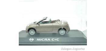 miniature car Nissan Micra C+C scale 1:43 Ixo