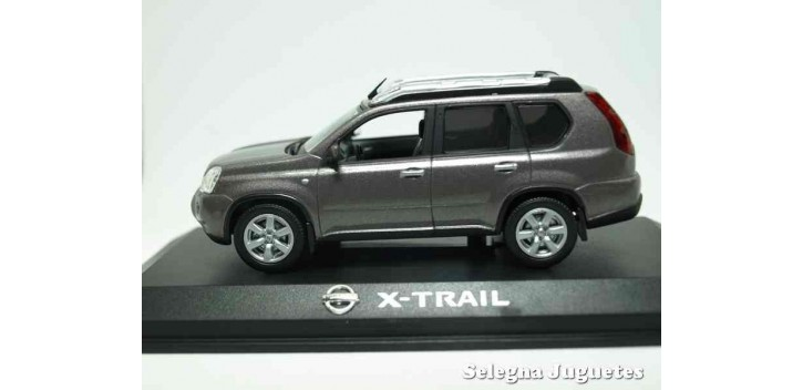 coche miniatura Nissan X-Trail escala 1/43 Norev